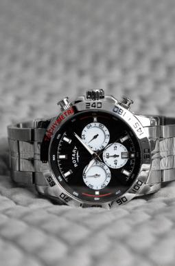 mens sliver strap black dial watch