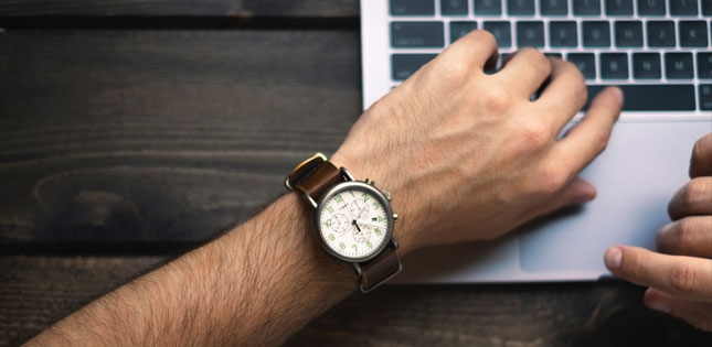 4 Top Hybrid Watch Brands You Need To Know