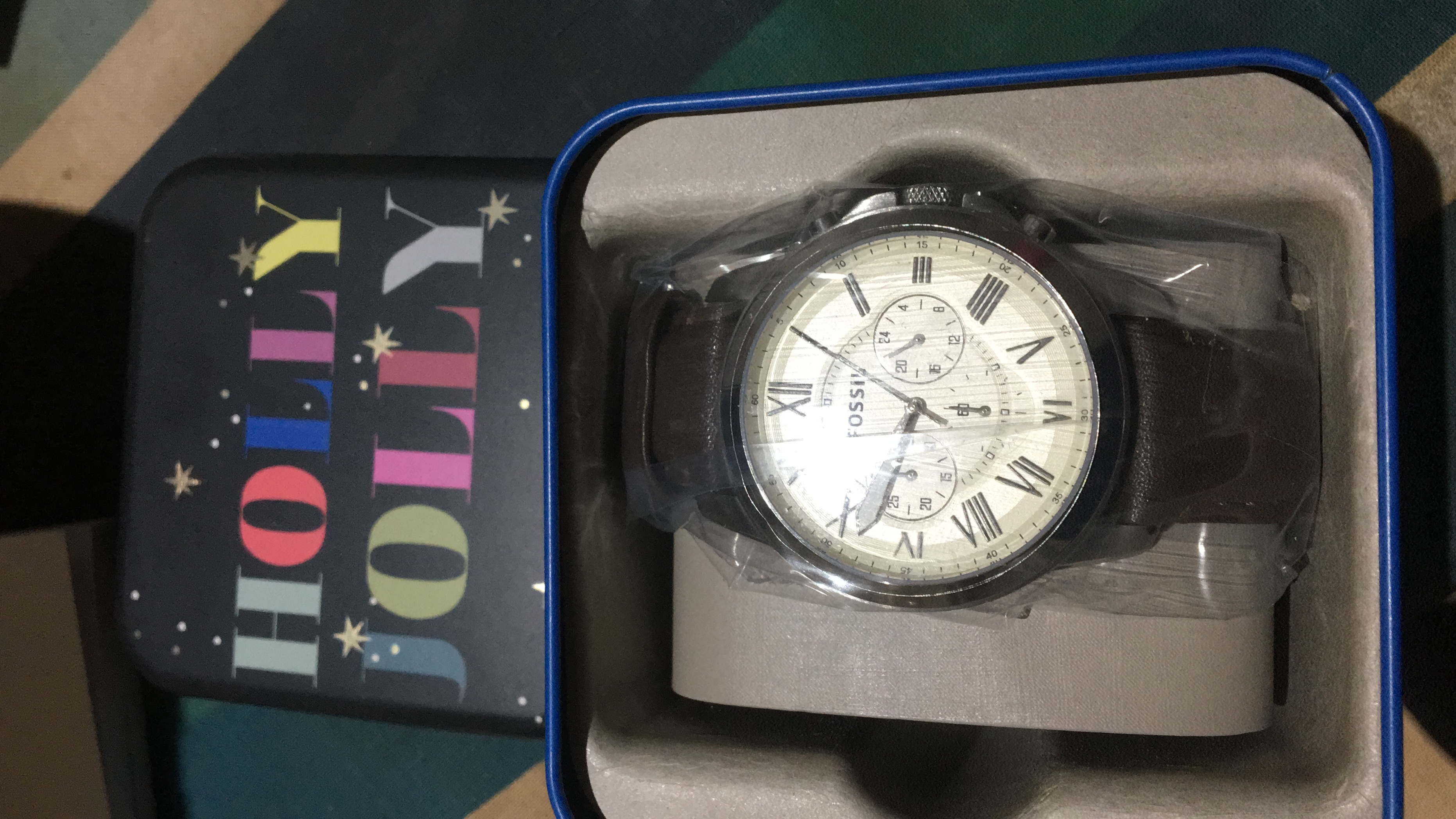 dd79bf03c40c Bought this as a surprise Christmas gift for my boyfriend. The watch is  high quality and it looks lovely. It even came in a festive Fossil tin-  making it an ...