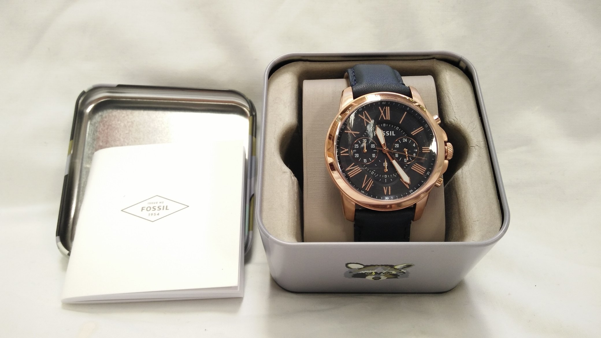 29b52e397 Quite a surprisingly solid and weighty watch, has some heft to it, so  you'll definitely notice it on your wrist. Great that it has luminous hour  and watch ...